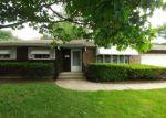 Bank Foreclosure for sale in Elgin 60123 N MCLEAN BLVD - Property ID: 4155307356