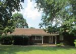 Bank Foreclosure for sale in West Frankfort 62896 E SAINT LOUIS ST - Property ID: 4204296503