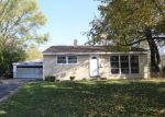 Bank Foreclosure for sale in Carpentersville 60110 ALAMEDA DR - Property ID: 4225969201