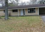 Bank Foreclosure for sale in Beaumont 77707 BERKSHIRE LN - Property ID: 4241208964
