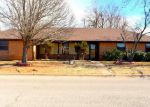 Bank Foreclosure for sale in Chickasha 73018 HAZYBROOK CIR - Property ID: 4250347271
