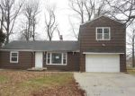 Bank Foreclosure for sale in Kansas City 64133 MOATS DR - Property ID: 4266170849