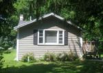 Short Sale in Crystal Lake 60014 CHICAGO AVE - Property ID: 6312874119