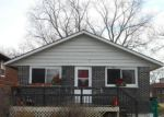 Short Sale in Round Lake 60073 N HICKORY AVE - Property ID: 6318657128