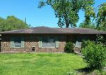 Bank Foreclosure for sale in Giddings 78942 COLENE ST - Property ID: 4126270111
