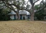 Bank Foreclosure for sale in Helotes 78023 OAK COUNTRY - Property ID: 4245042990