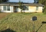 Bank Foreclosure for sale in Dilley 78017 W HARRIS ST - Property ID: 4324217727