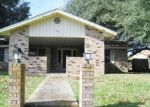 Bank Foreclosure for sale in Seguin 78155 RENEE ST - Property ID: 4373753906