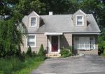Bank Foreclosure for sale in Waterbury 06706 BATESWOOD RD - Property ID: 4487948616
