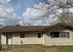 Casa en Remate en Beaumont 77708 SCOTTS DR - Identificador: 4527117950