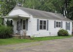 Pre Foreclosure in Salem 62881 S COLLEGE ST - Property ID: 1066245669
