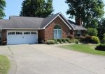 Pre Foreclosure in Byesville 43723 COUNTRY CLUB ESTATE DR - Property ID: 1661193937