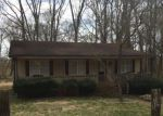 Pre Foreclosure in Charlotte 28262 CIRCLE DR - Property ID: 1755394687