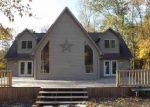 Pre Foreclosure in Glasgow 42141 SCOTTSVILLE RD - Property ID: 1825328627