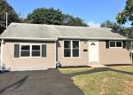 Pre Foreclosure in Bay Shore 11706 LOMBARDY BLVD - Property ID: 963318270