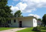 Short Sale in Marion 52302 10TH AVE - Property ID: 6314128491