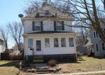 Short Sale in Davenport 52804 W 15TH ST - Property ID: 6321496977